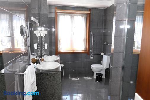Hotel Dona Sofia - Braga - Bathroom