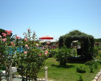 Elena Club Resort - Silvi Marina - Vista esterna