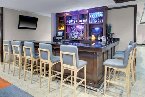 Hyatt House Sterling Dulles Airport North - Sterling - Bar
