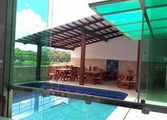 Hotel Carolmilla - Valença - Pool