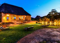 Matobo Hills Lodge - Matopos - Building
