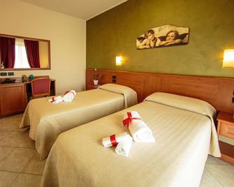 Hotel Residence Eden - Lanciano - Bedroom