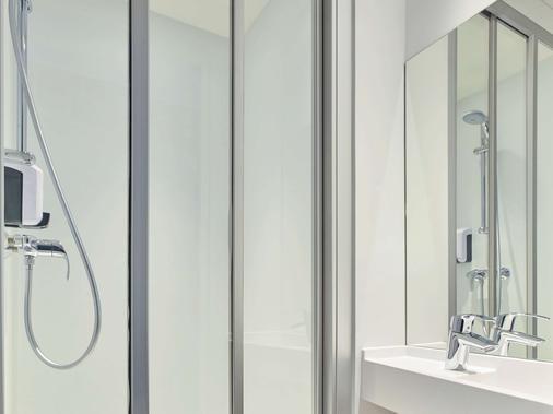 hotelF1 Saint-Denis Stade - Saint-Denis - Bathroom