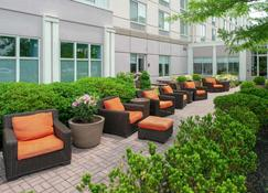 Hilton Garden Inn Allentown Bethlehem Airport - Allentown - Patio