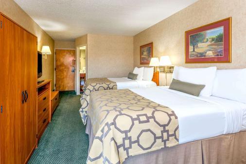 Baymont by Wyndham, Amarillo East - Amarillo - Bedroom