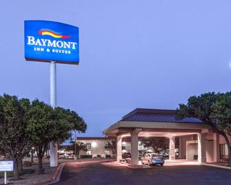 Baymont by Wyndham Amarillo East - Amarillo - Gebouw