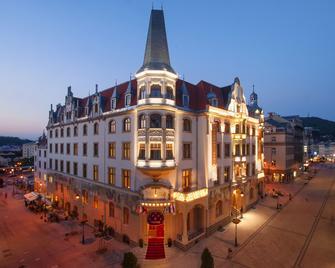 Grandhotel Ambassador - Národní Dum - Carlsbad - Building
