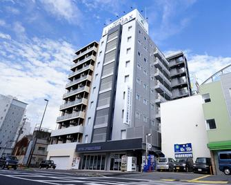 Hotel Livemax Himeji-ekimae - Himeji - Building