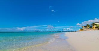 Beach front Villa at Cable Beach - Nassau - Beach
