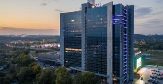 Ramada Encore by Wyndham Kyiv - קייב - בניין