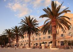 Riva Hvar Yacht Harbour Hotel - Hvar - Extérieur