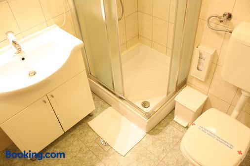 Hotel Mediteran - Zadar - Bathroom