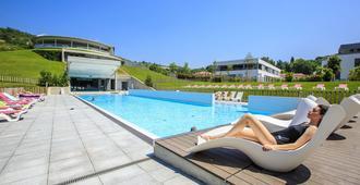 Gran Hotel Las Caldas - Oviedo - Piscina