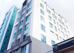 Swiss Hotel Apartment - Kuala Belait - Building