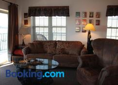 What A View - Pigeon Forge - Living room