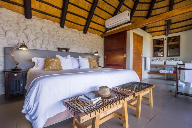 Leopard Mountain Safari Lodge - Hluhluwe - Bedroom