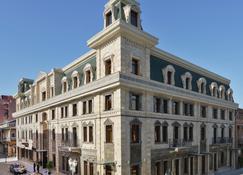 ديفان سويتس باتومي - باتومي - مبنى