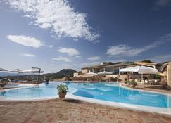Hotel Parco degli Ulivi - Arzachena - Pileta