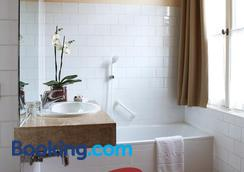 Hotel Adornes - Bruges - Bathroom