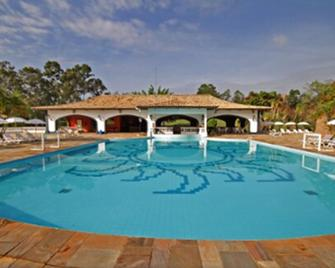 San Raphael Country Hotel - Itu - Piscina