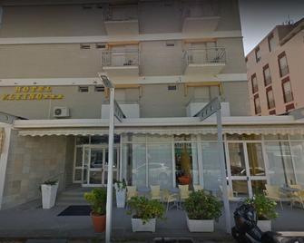 Hotel Flying - Pesaro - Edificio
