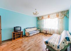 Dekabrist Apartment at anokhina 93 - Chita - Living room