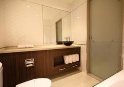 Leesing Hotel - Kaohsiung - Bathroom