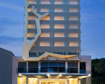 Citadines Royal Bay Makassar - Makassar - Building