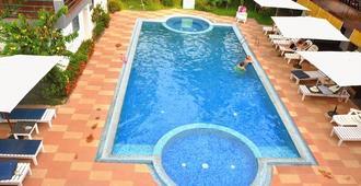 Raja Park Beach Resort - Varkala - Svømmebasseng