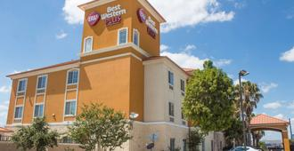 Best Western Plus San Antonio East Inn & Suites - San Antonio - Edificio