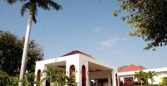 Hotel Globales Camino Real Managua - מנגואה