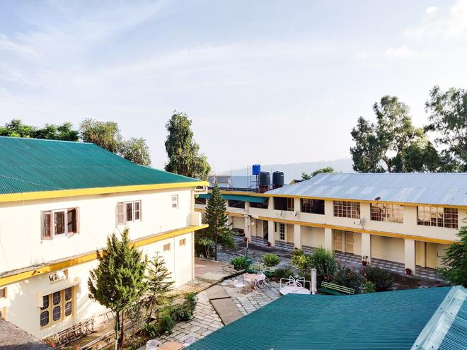 Pops Hotel And Restaurant - Pālampur - Building