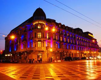 Central Hotel - Плоєшті - Building