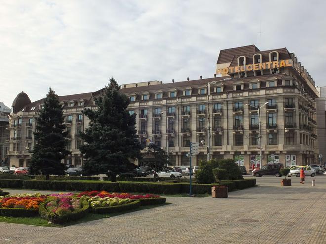 Central Hotel - Ploieşti - Building