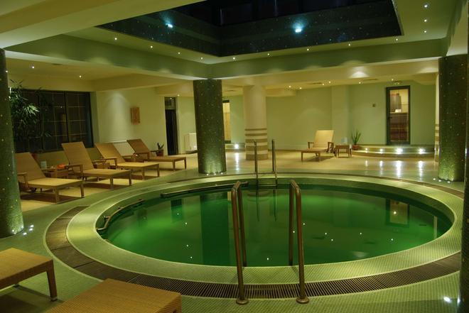 Central Hotel - Ploieşti - Pool