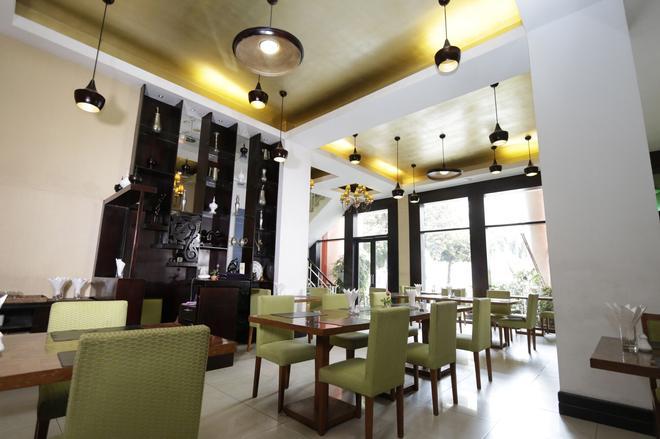 East Hotel - Yangon - Restaurant