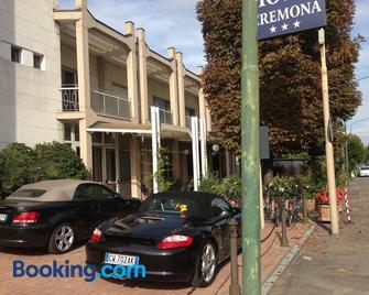 Hotel Cremona Viale - Cremona - Building