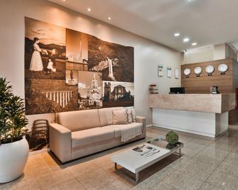 Zallon Hotel Executivo - Lajeado - Receptie
