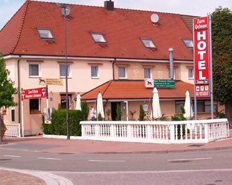 Hotel Restaurant Zum Ochsen - Bietigheim - Building