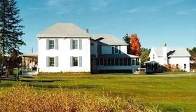 Spruce Lodge Bed & Breakfast & Guest Cottage - Lake Placid - Building