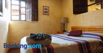 Posada del Abuelito (Hostel) - San Cristóbal de las Casas - Bedroom