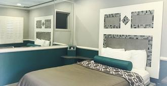 Royala Inn - Montebello - Habitación