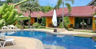 卡馬拉熱帶花園大酒店 - 卡馬拉 - 卡馬拉 - 游泳池
