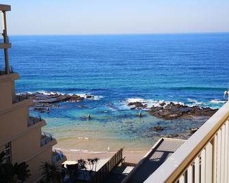 Camarque Beach Resort - Umdloti - Balcony