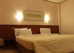 Rattana Park Hotel - Phitsanulok - Bedroom