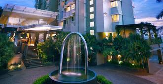 Golden Tulip Balikpapan Hotel & Suites - באליקפאפן