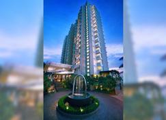 Golden Tulip Balikpapan Hotel & Suites - Balikpapan - Rakennus