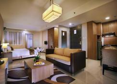 Golden Tulip Balikpapan Hotel & Suites - Balikpapan - Bedroom