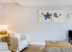 Kelston Avenue - Dublin - Living room