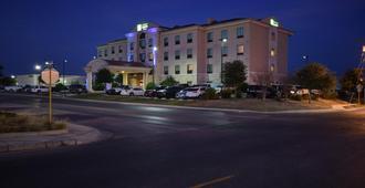 Holiday Inn Express & Suites Del Rio - Del Rio